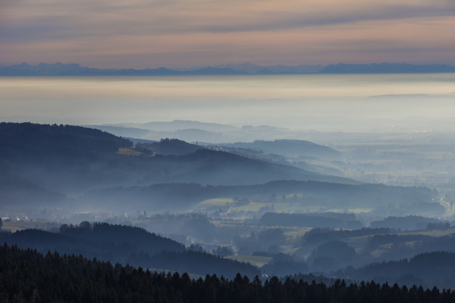 http://gewitterundnaturbilder-sr.de/hpfixgal_alpenfernsicht_gaeuboden_im_dunst_img_9106_09_01_2014_20_28_26.jpg