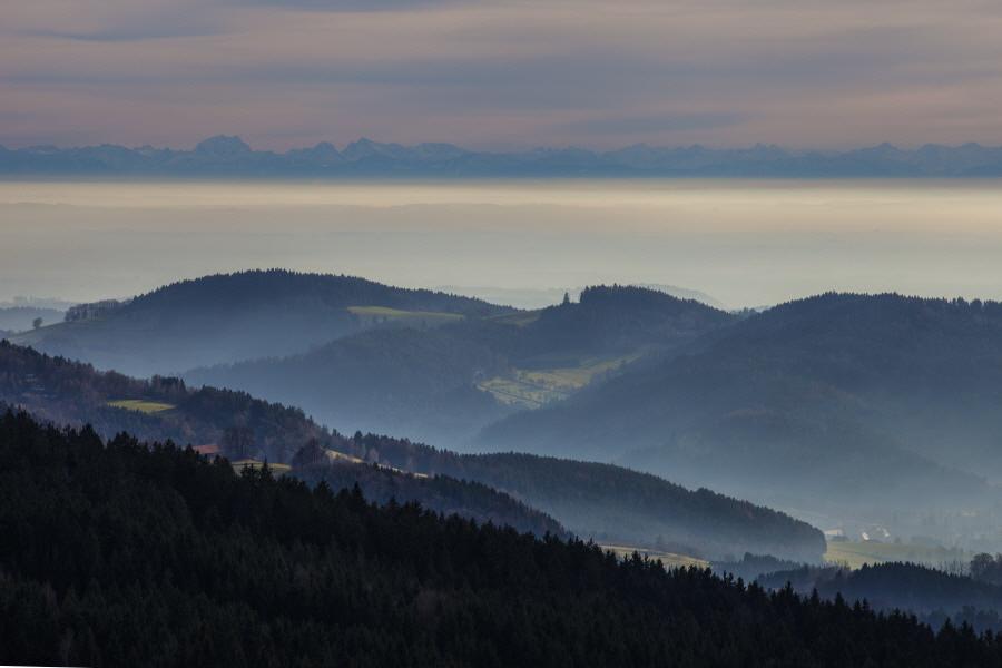 http://gewitterundnaturbilder-sr.de/hpfixgal_alpenfernsicht_gaeuboden_im_dunst_img_9111_09_01_2014_20_33_04.jpg
