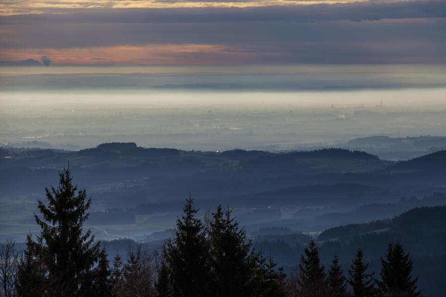 http://gewitterundnaturbilder-sr.de/hpfixgal_alpenfernsicht_gaeuboden_im_dunst_img_9125_09_01_2014_20_45_38.jpg