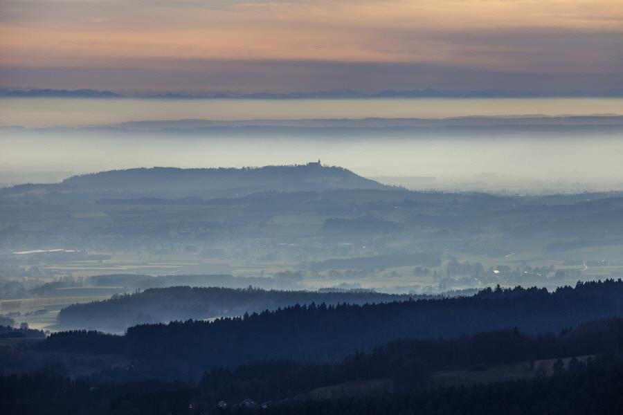 http://gewitterundnaturbilder-sr.de/hpfixgal_alpenfernsicht_gaeuboden_im_dunst_img_9129_09_01_2014_20_48_20.jpg