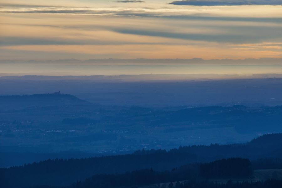 http://gewitterundnaturbilder-sr.de/hpfixgal_alpenfernsicht_gaeuboden_im_dunst_img_9239_10_01_2014_15_55_36.jpg